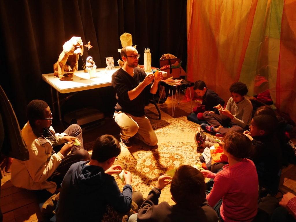Activité origami pour les enfants au Festisol à Châteaudun